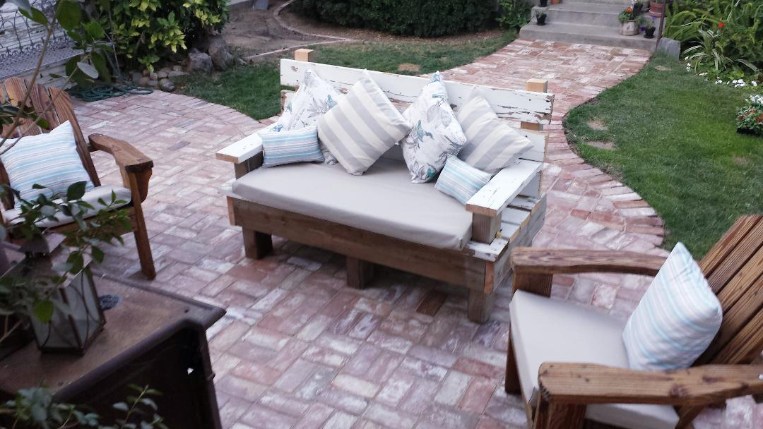OUTDOOR SUMMER LIVING (SLIP COVER STYLE)