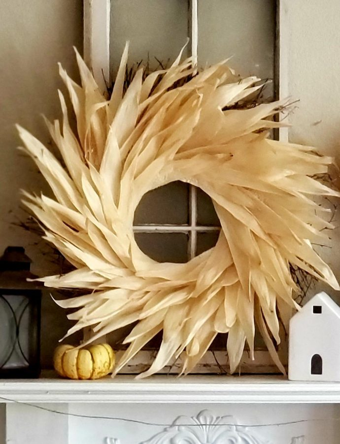 A FALL CORN HUSK WREATH