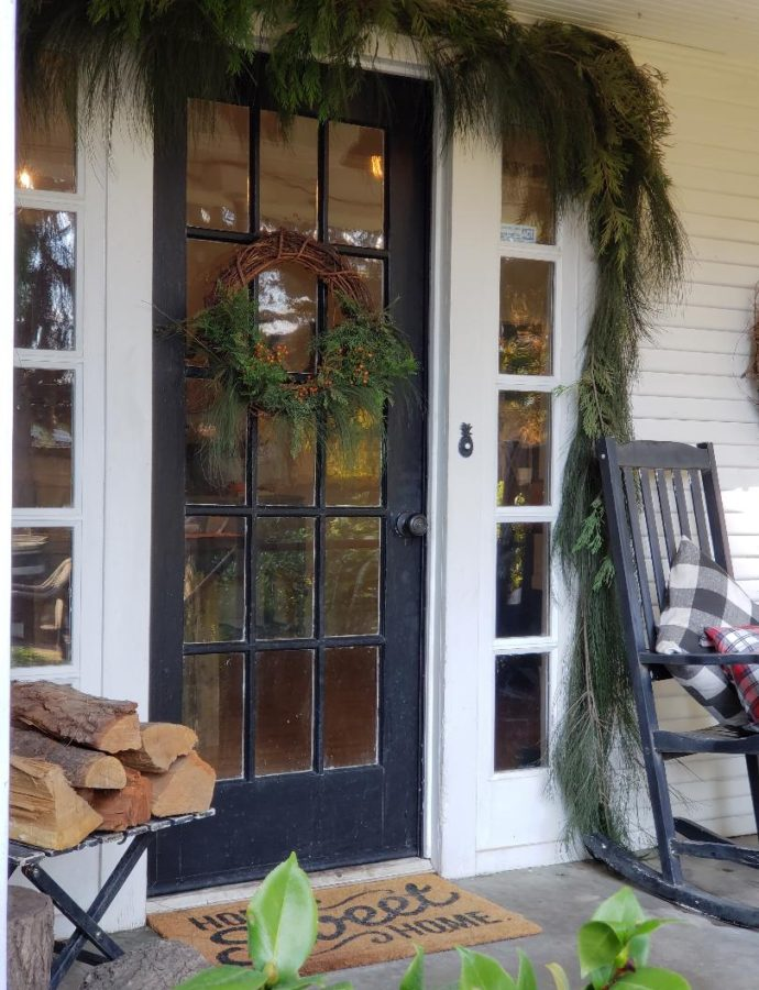 NATURAL FARMHOUSE CHRISTMAS PORCH