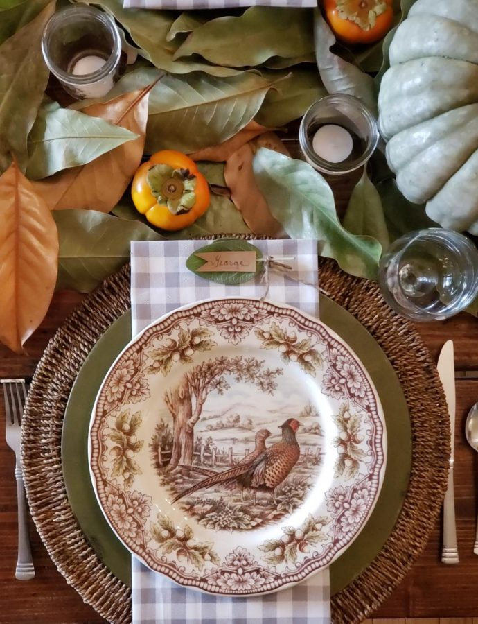 A RUSTIC FARMHOUSE THANKSGIVING TABLESCAPE