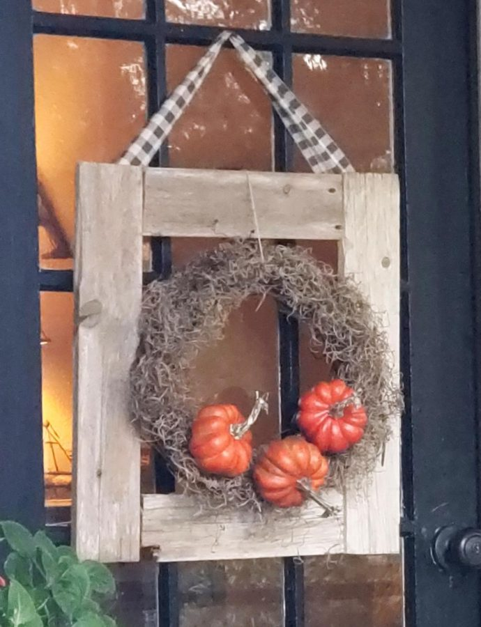 DIY FALL DOOR DECOR